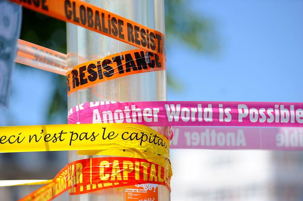 1024px-Manifestation_anti-G8_au_Havre_-_21_mai_2011_-_025_v1